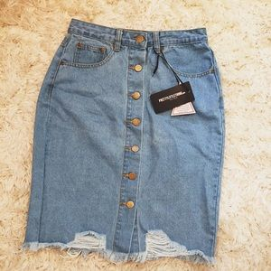 NWT Pretty Little Thing Button Up Denim Skirt